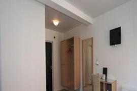 96073_005_Guestroom