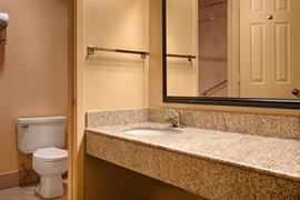 44286_007_Guestroom