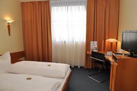 95320_005_Guestroom
