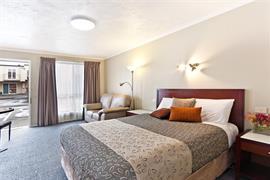 90534_002_Guestroom