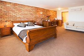 90534_004_Guestroom