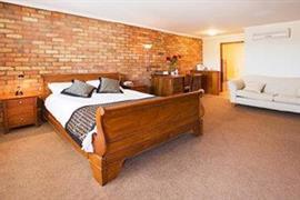 90534_006_Guestroom