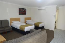 97393_005_Guestroom