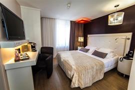 93806_001_Guestroom