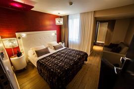 93806_003_Guestroom