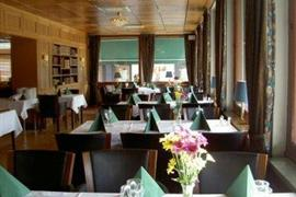 88132_002_Restaurant