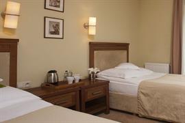 81022_004_Guestroom