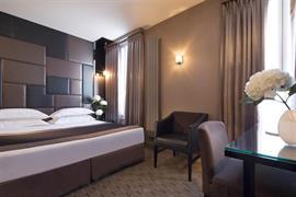 93295_005_Guestroom