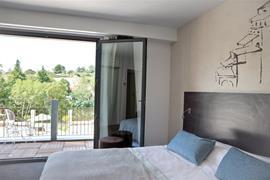93704_003_Guestroom