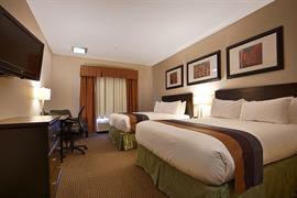 61077_002_Guestroom