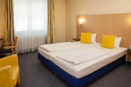 95479_002_Guestroom
