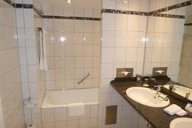 95308_006_Guestroom