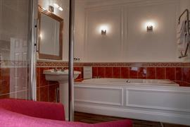 wessex-royale-hotel-bedrooms-04-84211