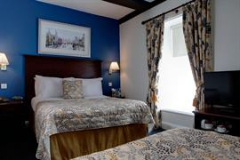 wessex-royale-hotel-bedrooms-08-84211