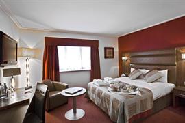 west-grange-hotel-bedrooms-07-83868