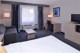 39079_004_Guestroom