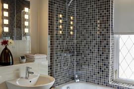 westley-hotel-bedrooms-26-83352-OP