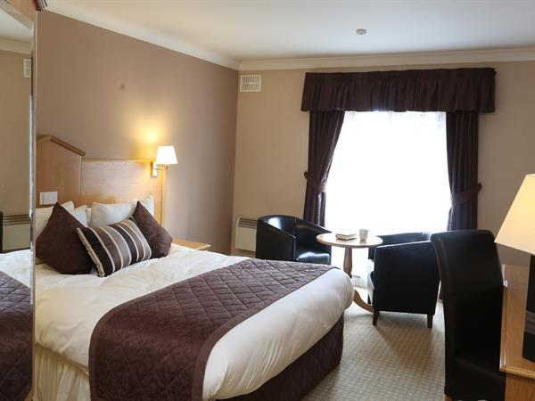 everglades-park-hotel-bedrooms-12-83898