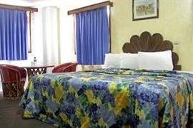 70171_003_Guestroom