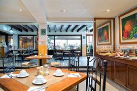 70171_005_Restaurant