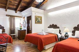 70171_007_Guestroom