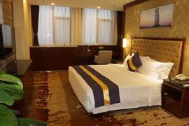 78711_006_Guestroom