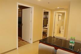 78711_007_Guestroom