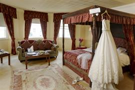 york-pavilion-hotel-bedrooms-18-83287