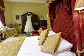 york-pavilion-hotel-bedrooms-21-83287