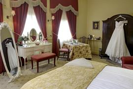 york-pavilion-hotel-bedrooms-22-83287
