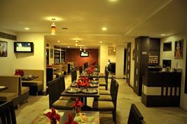 76545_004_Restaurant
