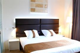92731_007_Guestroom