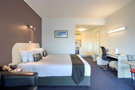 90935_001_Guestroom
