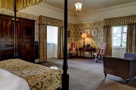 hazlewood-castle-hotel-bedrooms-01-84203