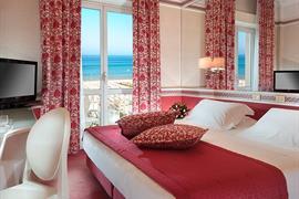 98358_001_Guestroom