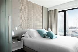 93795_002_Guestroom