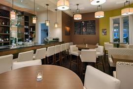 62129_006_Restaurant