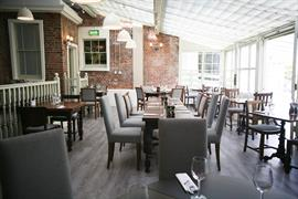 winchester-royal-hotel-dining-01-84202
