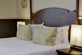 craiglands-hotel-bedrooms-03-84222