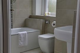 craiglands-hotel-bedrooms-08-84222