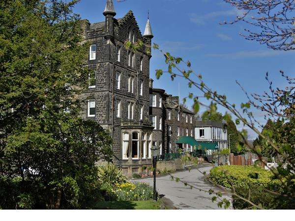 craiglands-hotel-grounds-and-hotel-01-84222