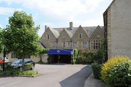 cricklade-house-hotel-grounds-and-hotel-06-56110