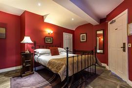 guy-fawkes-inn-bedrooms-11-56101