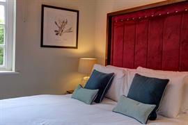 hallgarth-the-manor-house-bedrooms-07-84255