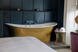 hallgarth-the-manor-house-bedrooms-03-84255
