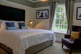 hallgarth-the-manor-house-bedrooms-05-84255