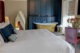 hallgarth-the-manor-house-bedrooms-09-84255