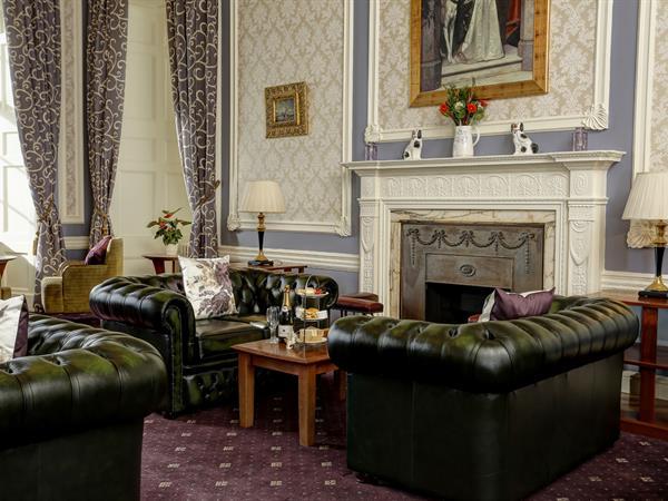 hazlewood-castle-hotel-dining-01-84203