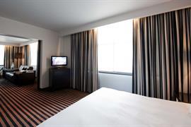 92946_004_Guestroom