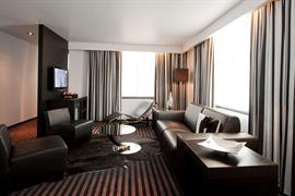 92946_005_Guestroom